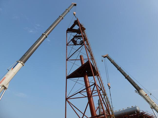 胜利油田石化总厂硫磺回收联合装置大件吊装顺利完成